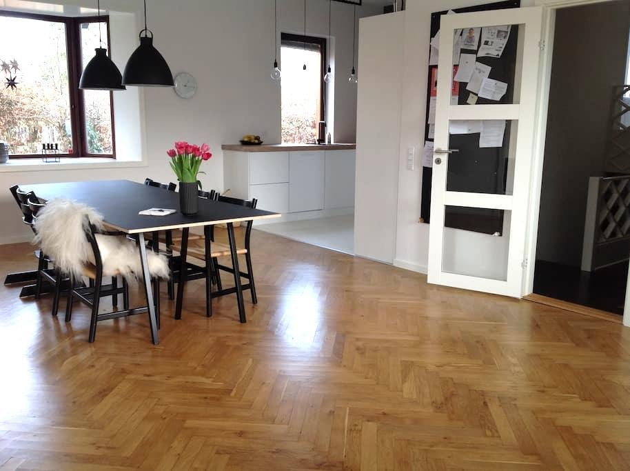 Spacious home in Odense - Odense - Ev