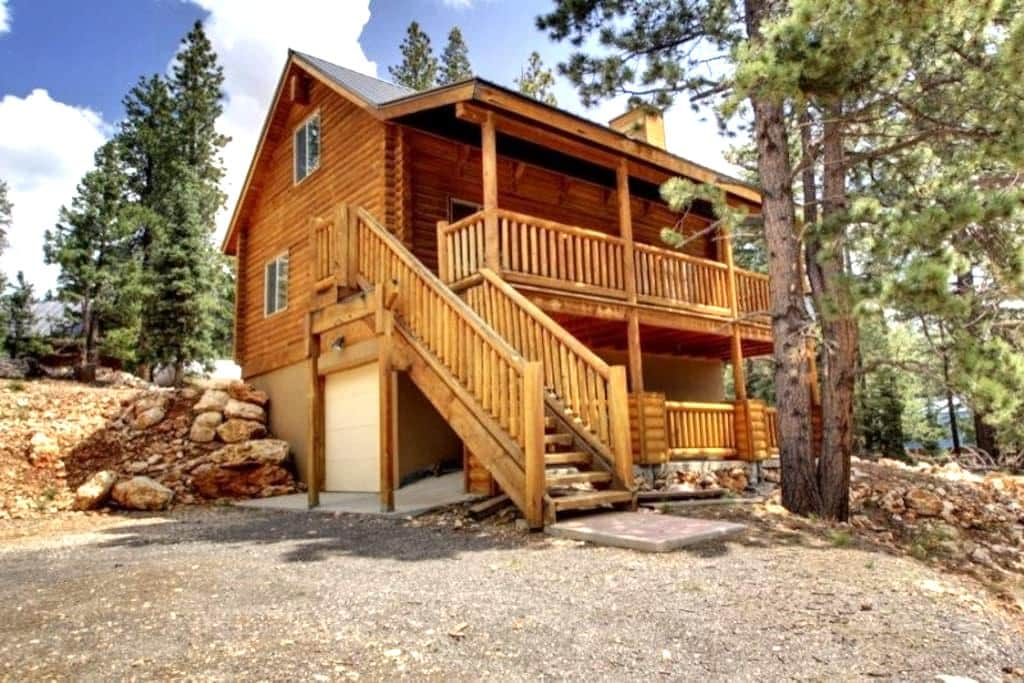 Three Bears Cabin - Cozy getaway - Duck Creek Village - Wohnung