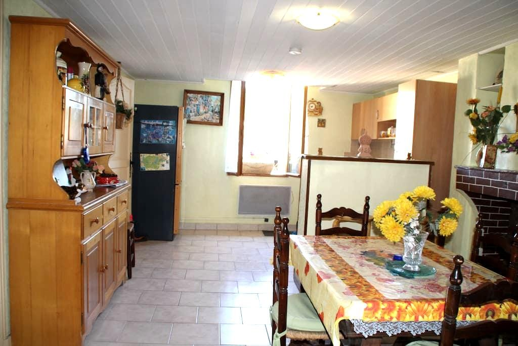 Appartement dans maison de village - Riez