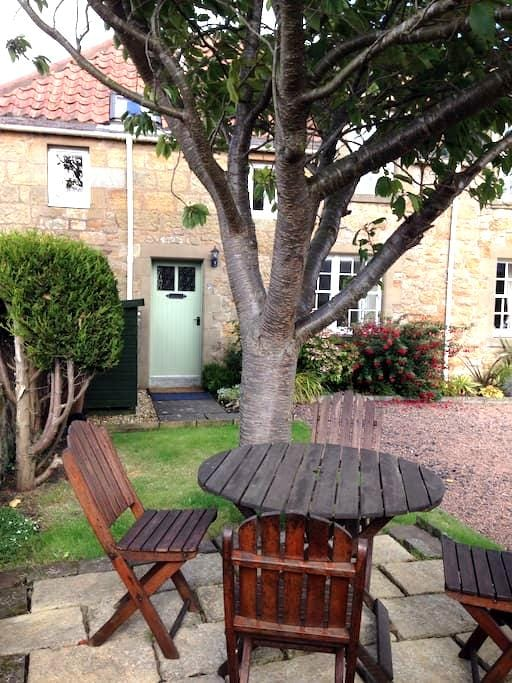 Cosy cottage nr golf nr St Andrews - Kingsbarns - Casa