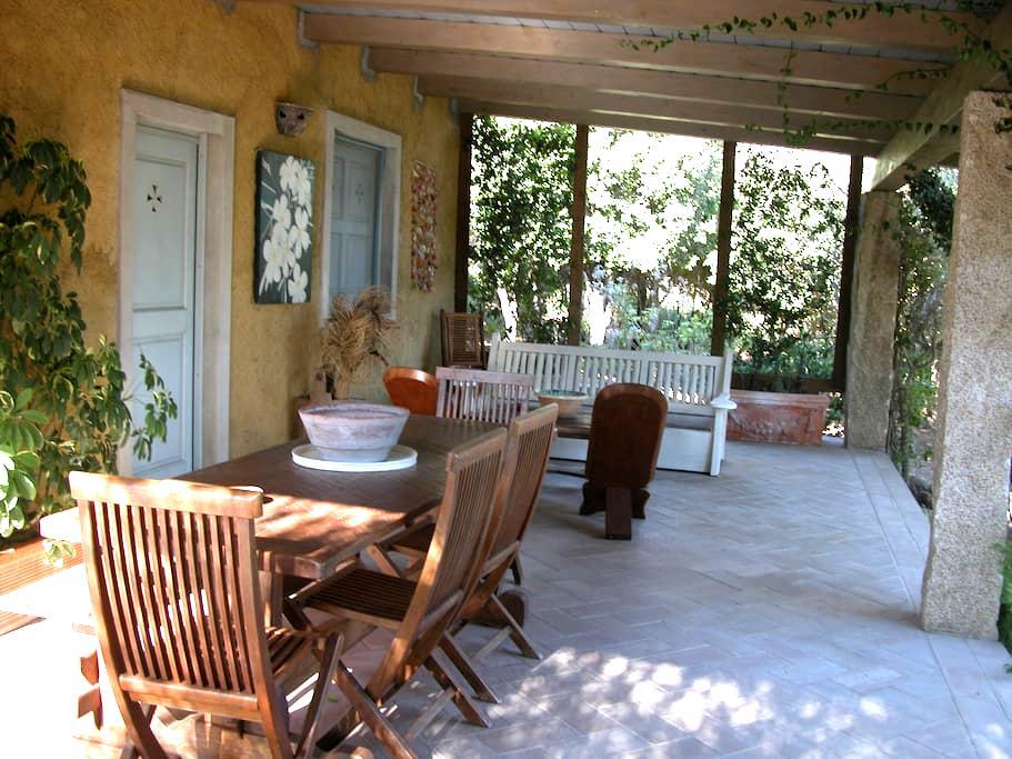 Villino delle Fonti a San Pantaleo - San Pantaleo - Villa