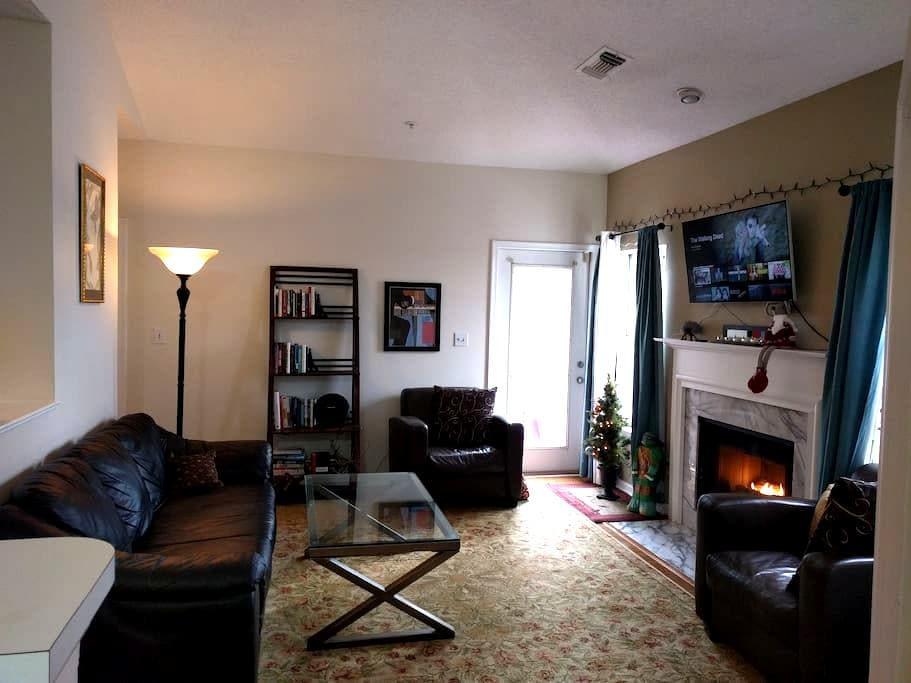 Single Bedroom In Luxury Cond - Reston Town Center - Reston - Daire