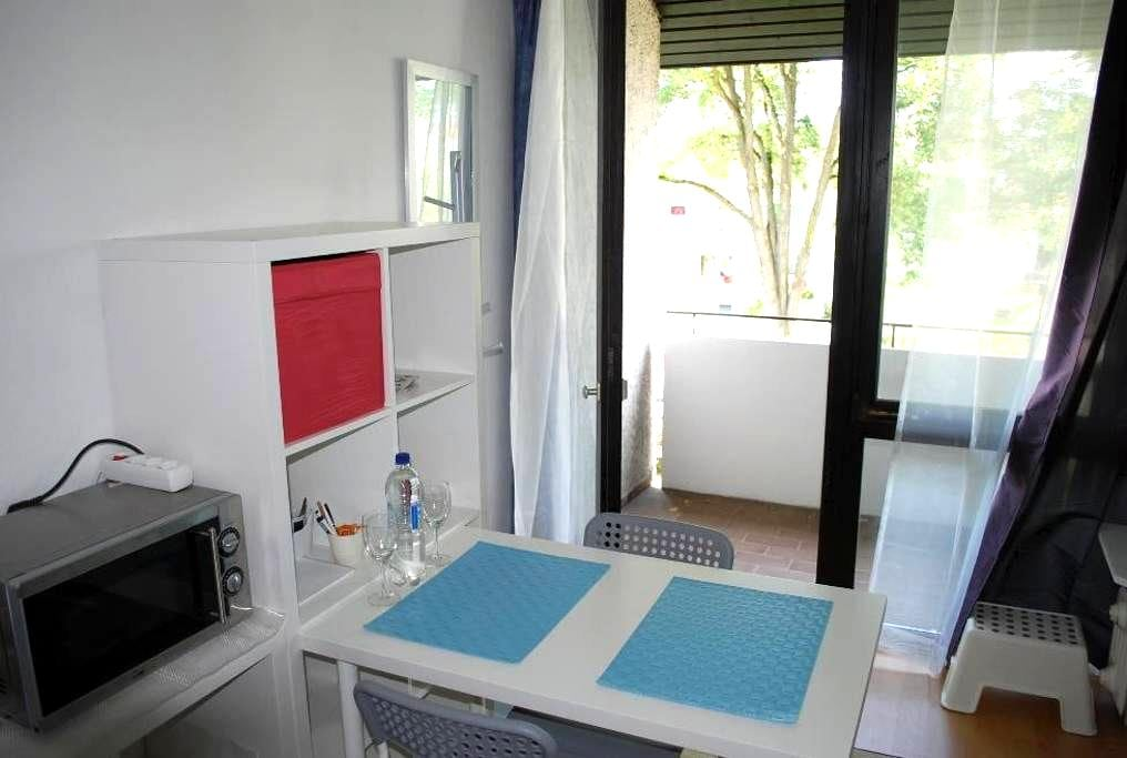 One room apartment with balcony / 5 min. to Panzer - Böblingen