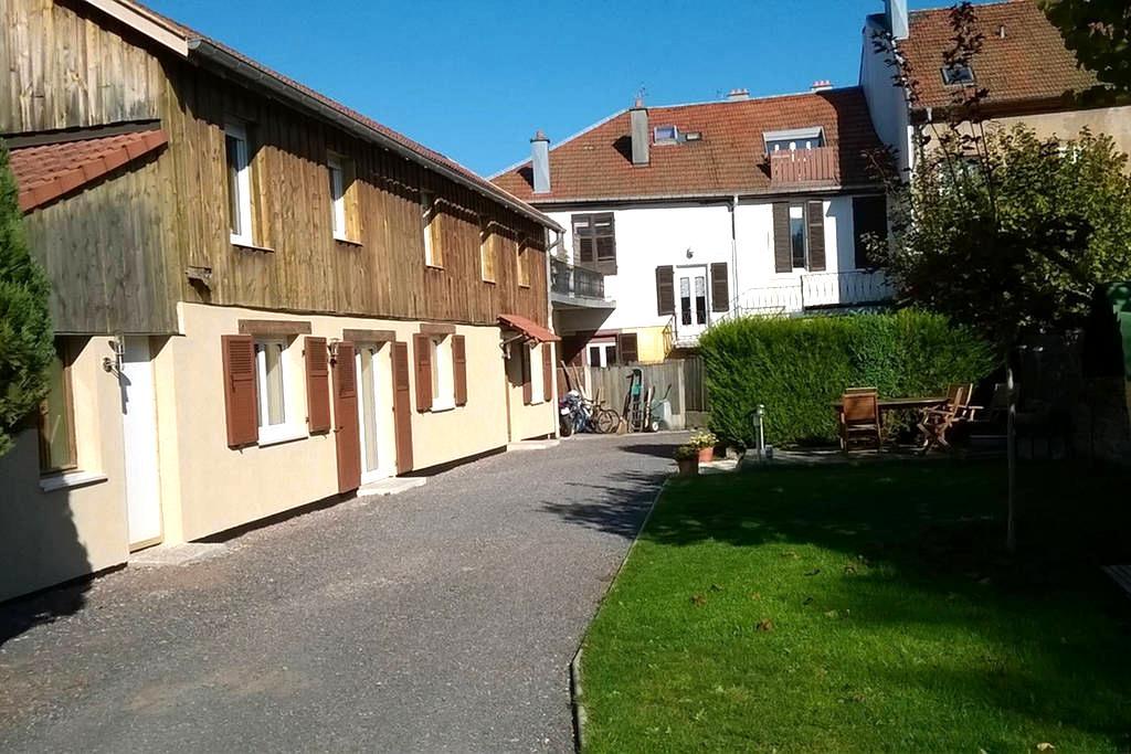 Maison 110 m2 au calme, en centre ville - Saint-Dié-des-Vosges - Huis