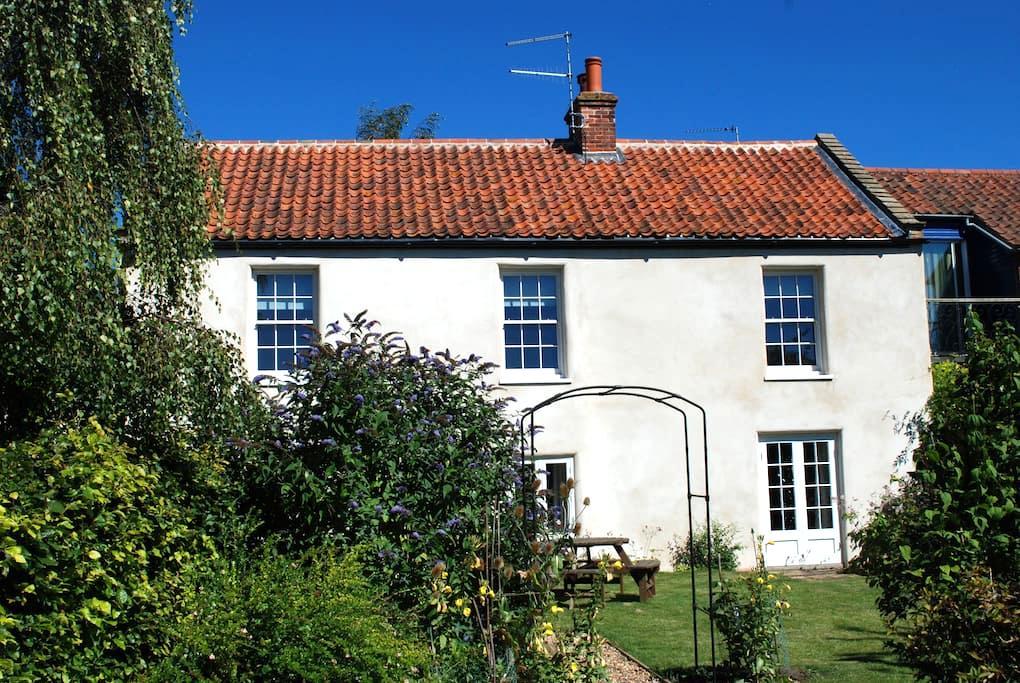 The Old Bakery, Burnham Thorpe - Burnham Thorpe - House