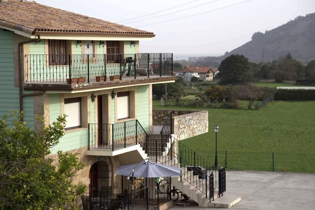 Villarriba, Casas Rurales El Pontón - Castillo siete Villas