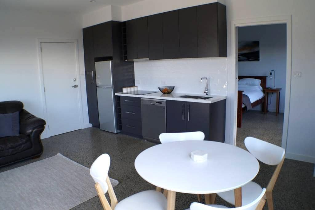 Modern New Apartment - Launceston - Lägenhet