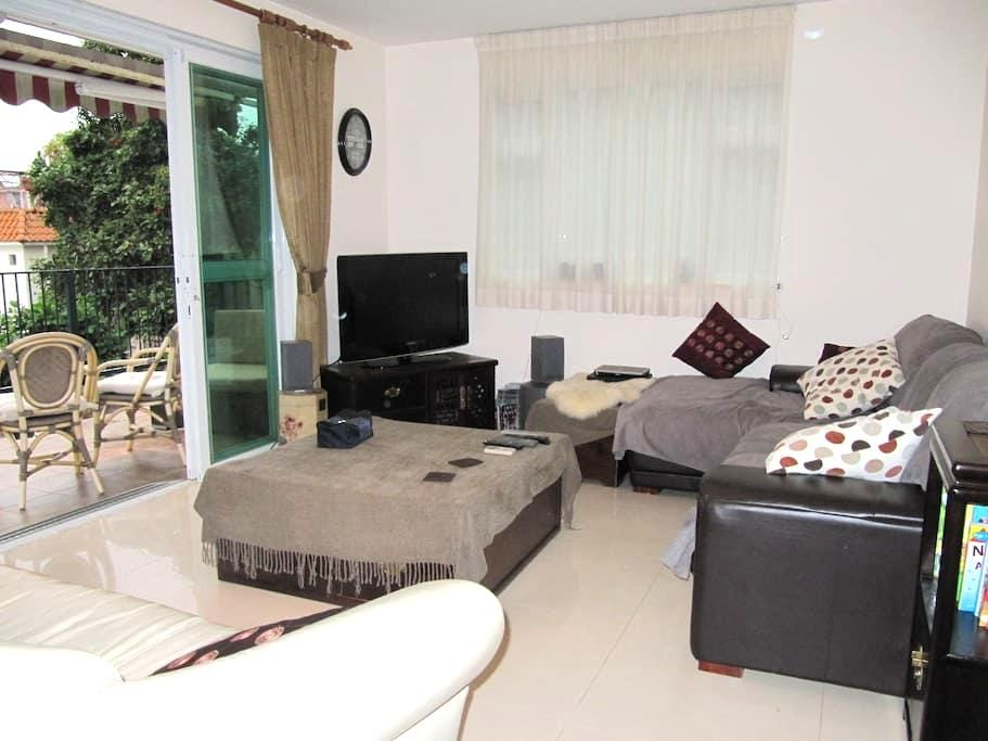 1 double room with en suite in a family apartment - Sai Kung - Byt