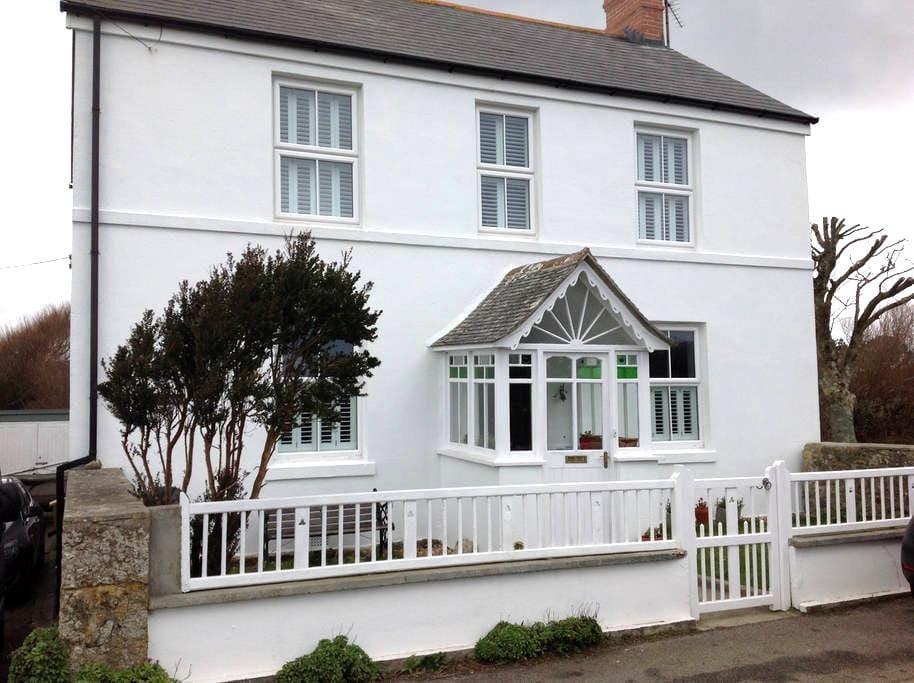 Edwardian Cornish House - Porthcurno - Ház