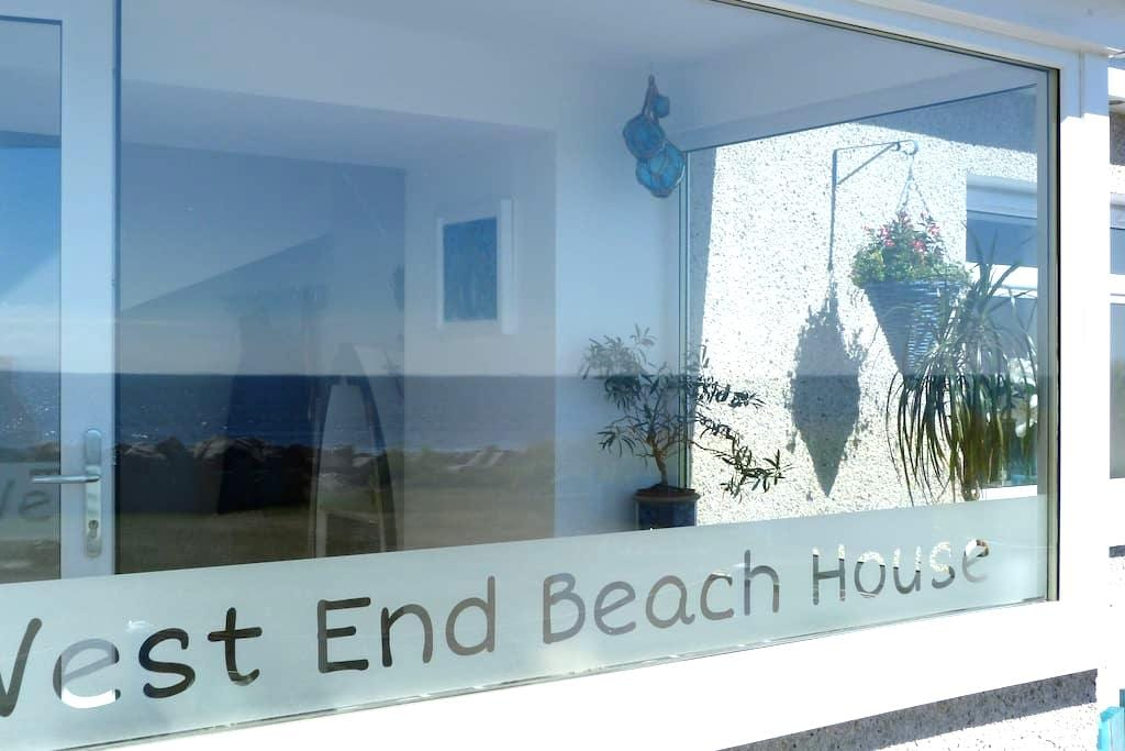 West End Beach House - Rockfield