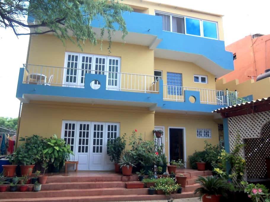 Chez Sabina et Jean-Charles - Praia - Rumah Tamu