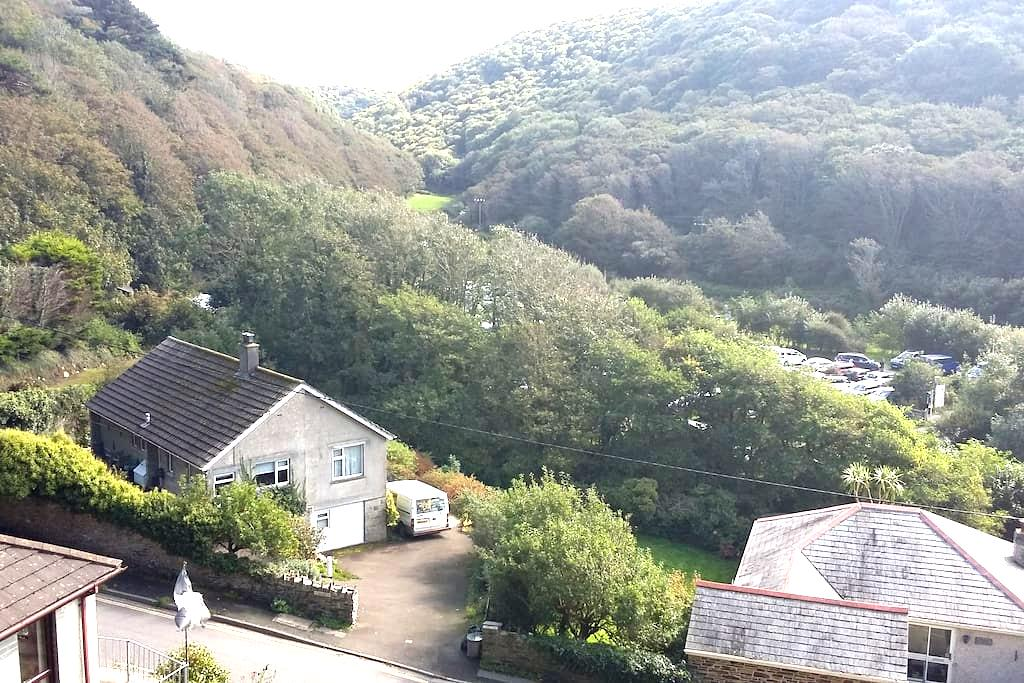 Cornish Home, off road parking - Boscastle - Casa