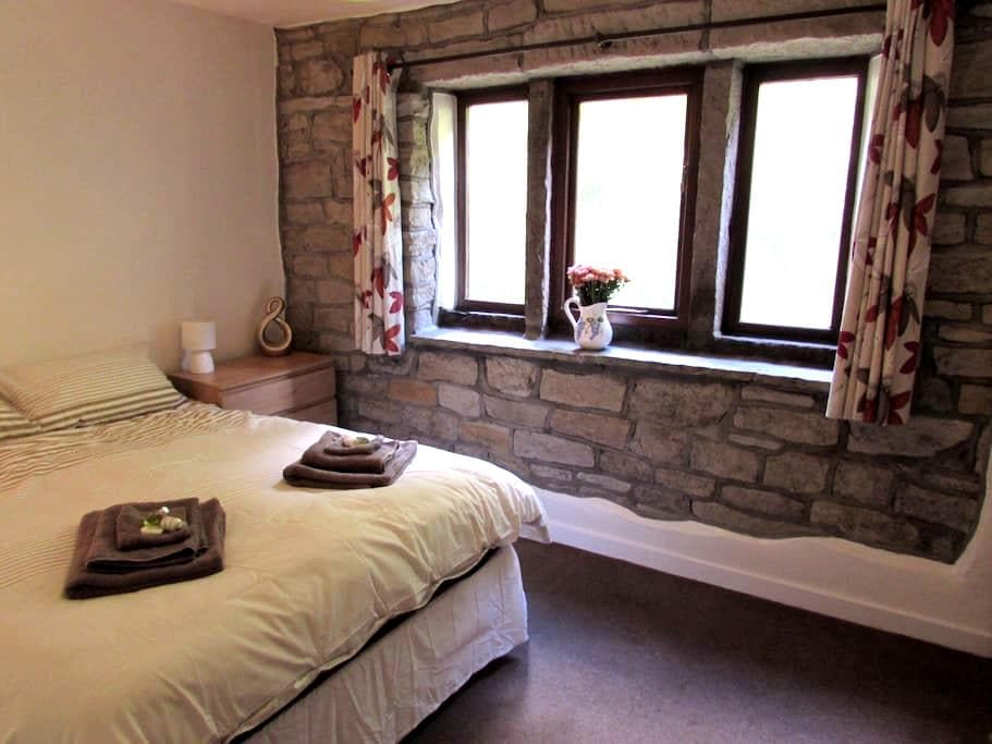 4 Woodbank - Cottage in the countryside - Todmorden - House