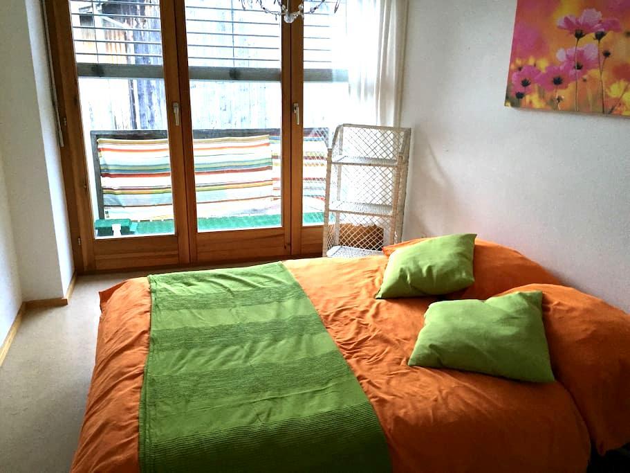 Room A, near mountains & motorway - Rheintal - Casa