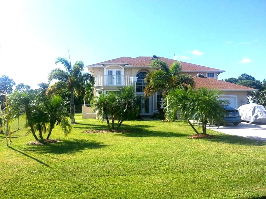 Best Vacation Pool Home Deal - Port St. Lucie