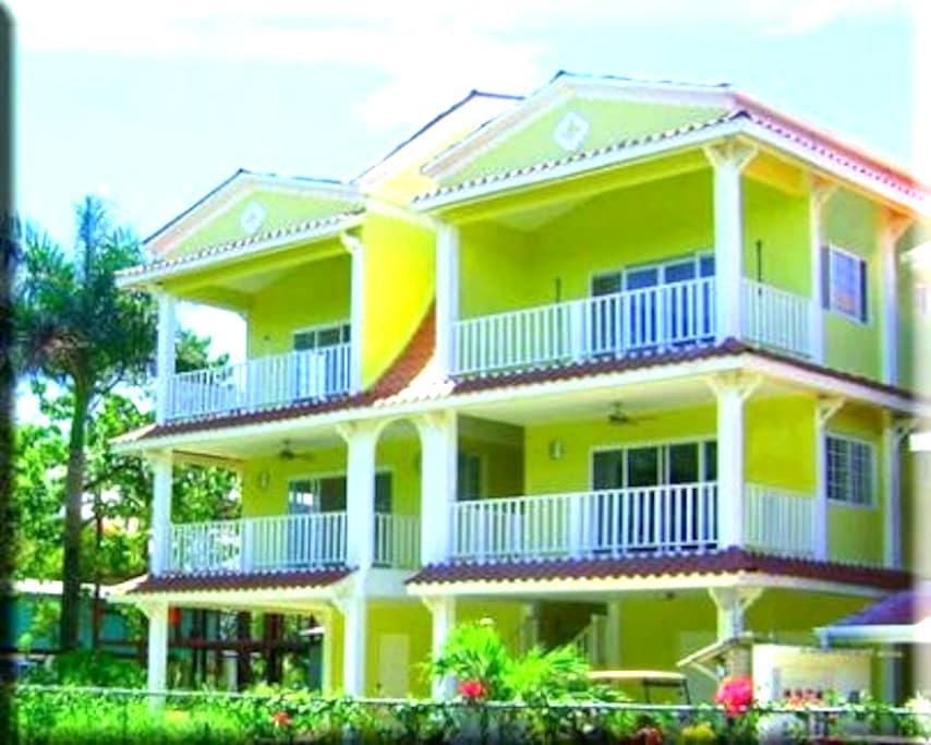 Spacious 1Bcondo, pool, near beach  - Bocas Del Toro