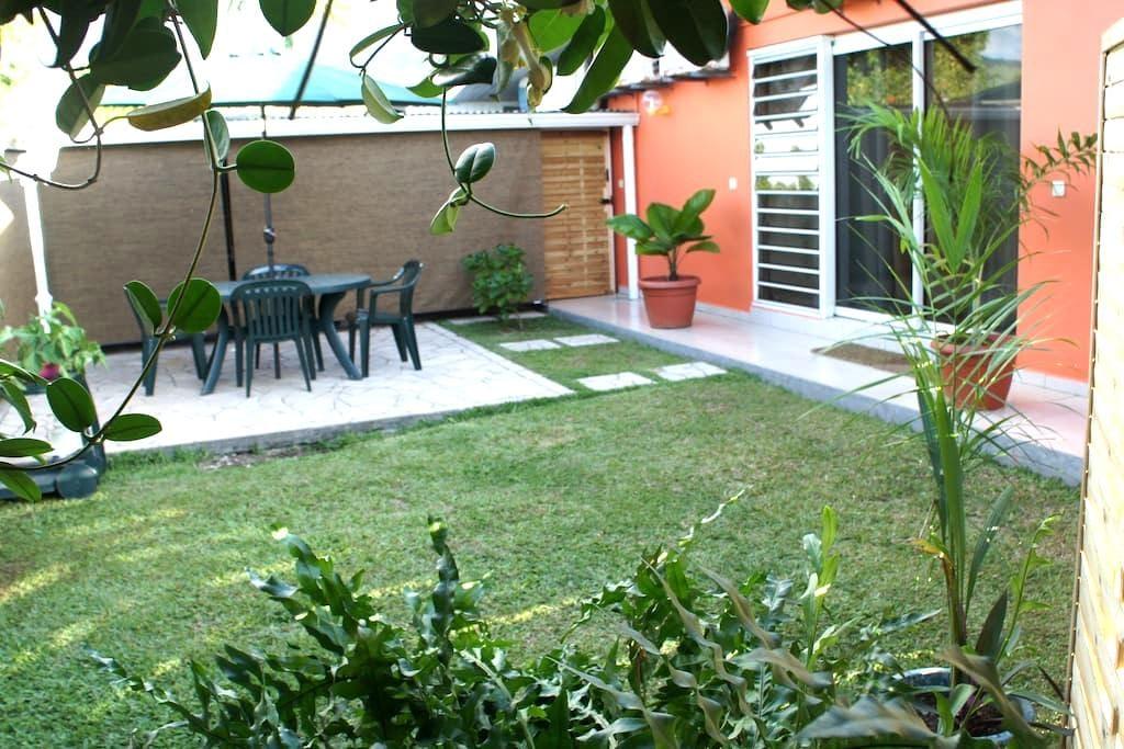 VERY NICE STUDIO apartment, secure and sunny place - 'Ārue - Apto. en complejo residencial