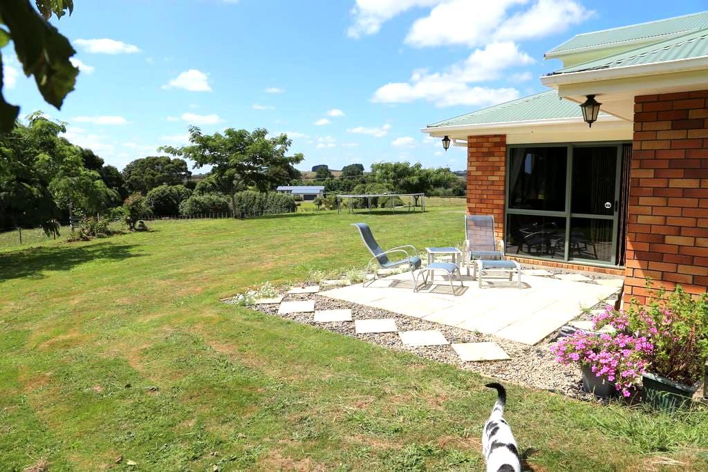 The Tiny Farm Balcony Room & Breakfast - Ngaruawahia - Hus