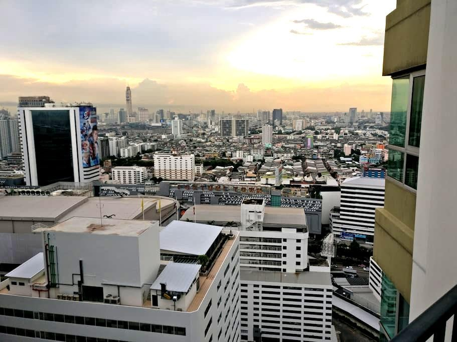 Nice private room with own bathroom close to MRT - Bangkok - Lyxvåning
