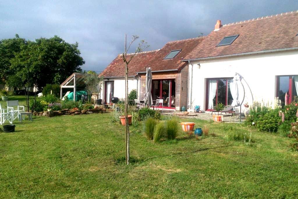 Chambres 7km centre du Mans, 3km sortie autoroute - Trangé - Bed & Breakfast