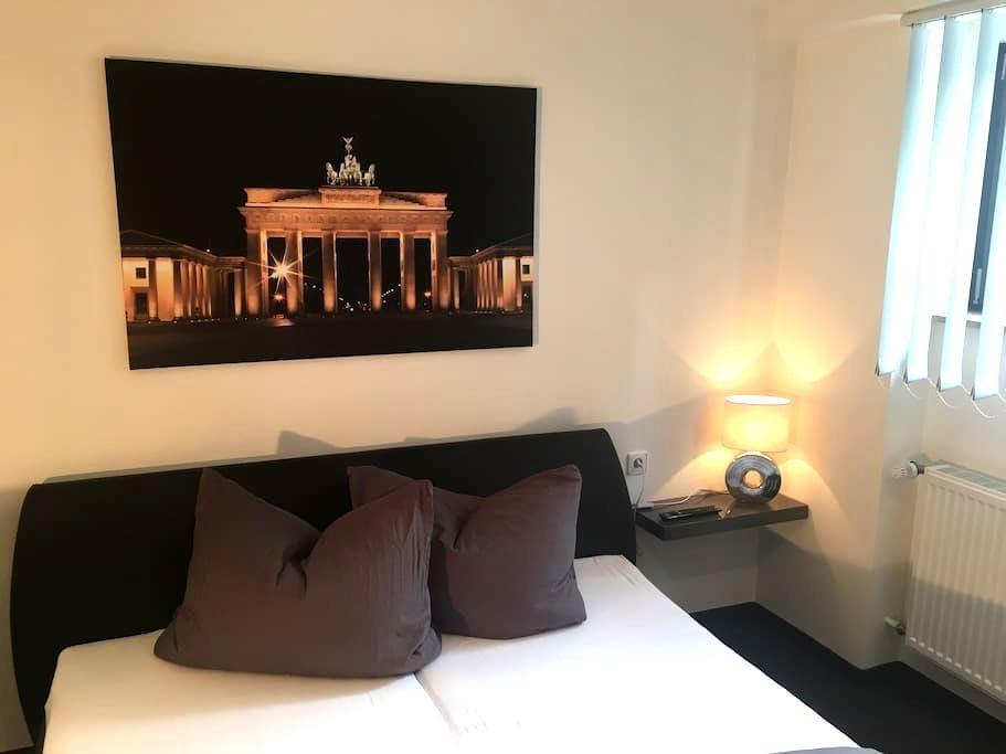 Gemütliches Zimmer in schönem Ambiente - Köngen - Bungalo