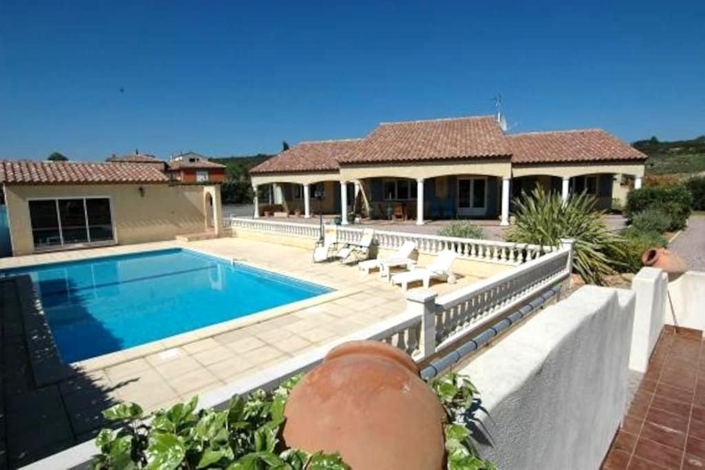 Les Ecologies Gite 2 with pool  sleeps 4 - Cessenon-sur-Orb - Casa de camp