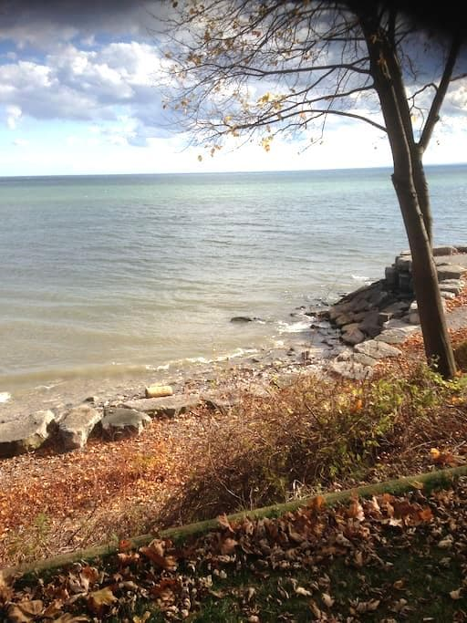 lakefront cottage - Oakville - House