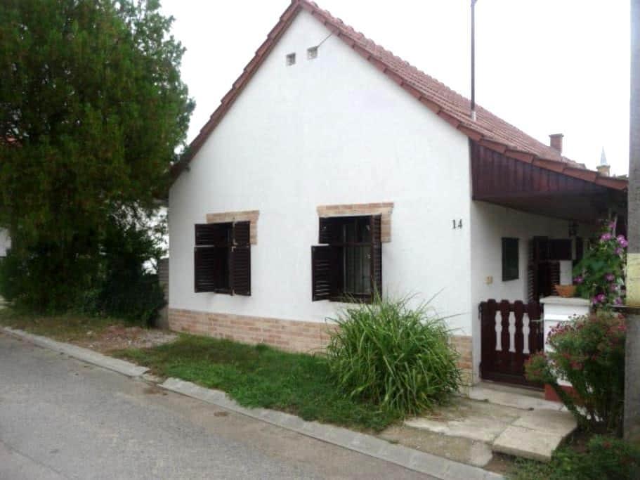 Putyi's house - Hásságy - Haus