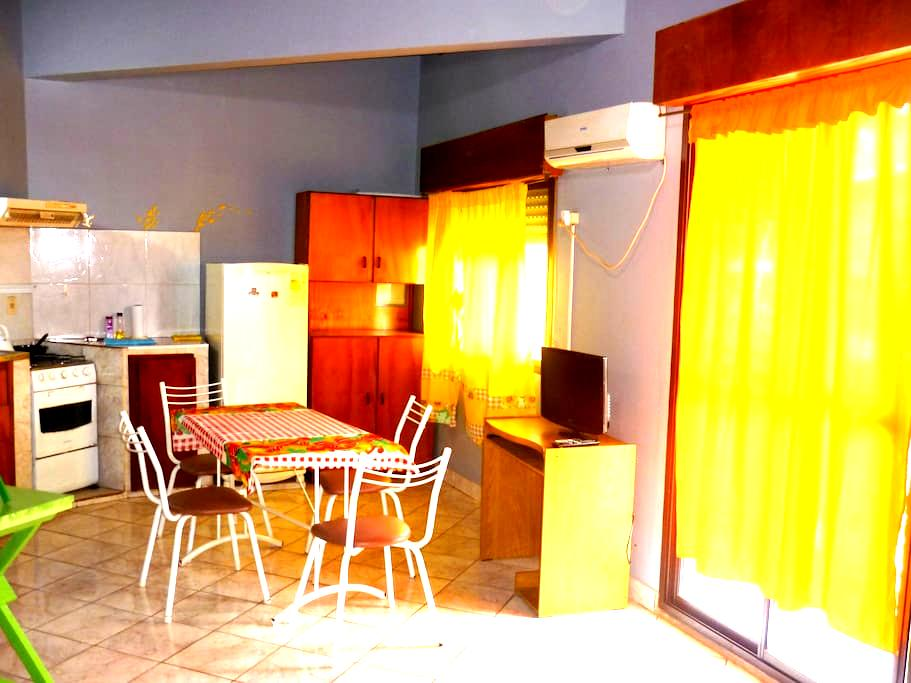 ¡DEPARTAMENTO UBICADO EN EL CENTRO! - 伊瓜苏港 (Puerto Iguazú) - 公寓