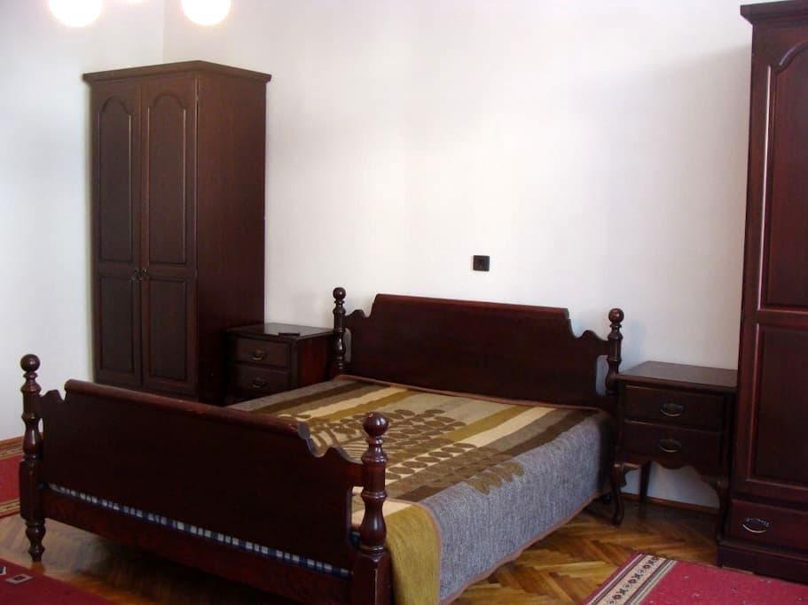 Great 2 bedroom flat sleeps 4 in Central Szeged - Сегед - Квартира