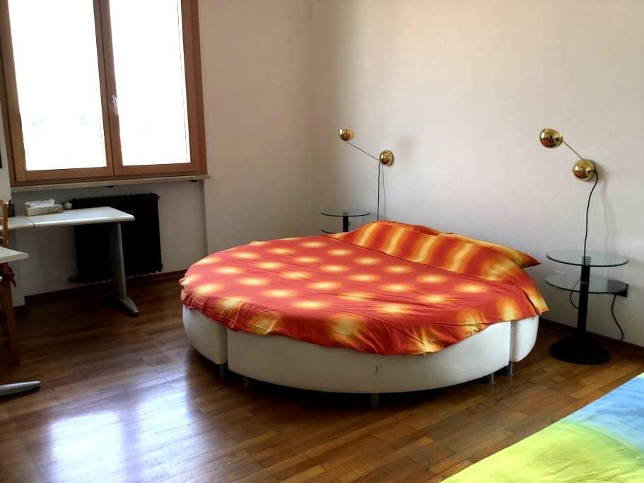 Bright & comfortable Sun Room ️ - Verona - Lägenhet