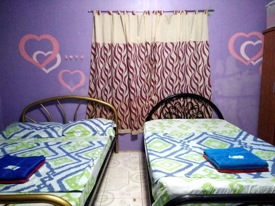 Shared Room near 100 Islands - Alaminos, Ilocos Region, PH - House