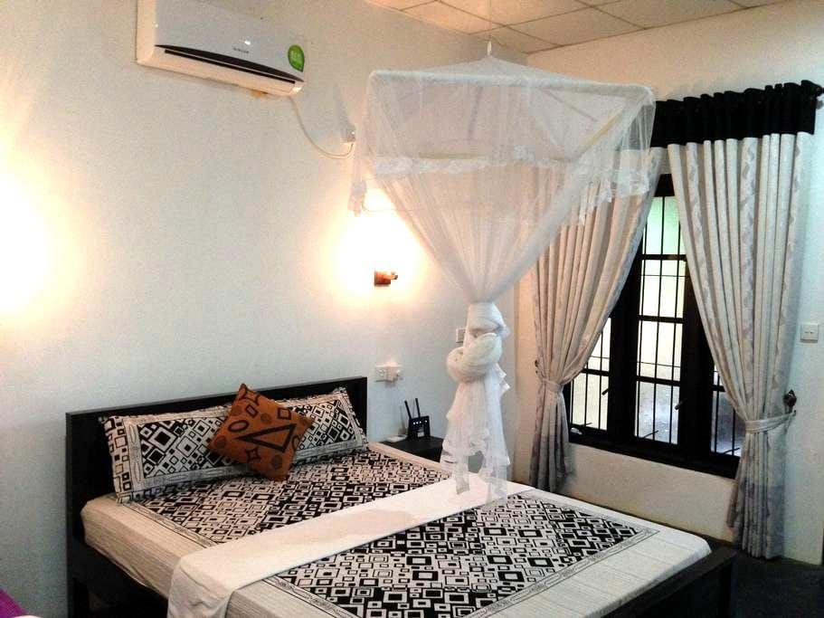 Sanka Mash  Holiday Inn Sigiriya - Sigiriya