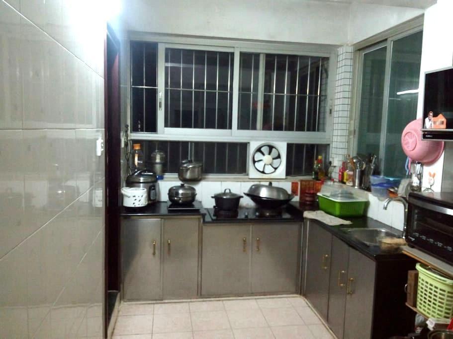 温馨3居室,停车方便 - 江门市新会区 - Lägenhet