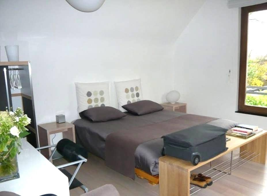 Bed and Breakfast, urban et vert - Watermael-Boitsfort - Casa