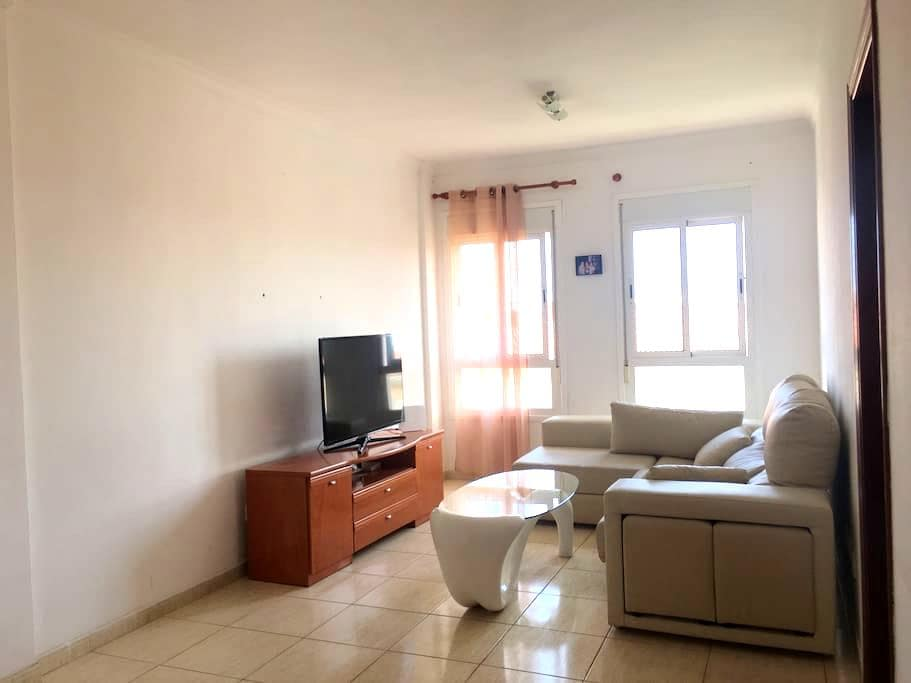 Entire Flat in Vecindario with WiFi - Vecindario - Apartment