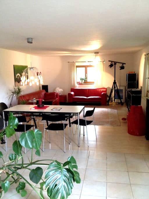 110 qm Haus mit zwei Schlafzimmern. - Otterfing - Dům