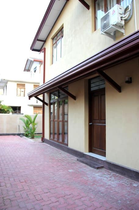 Spacious Apartment near Bus Line - Maharagama