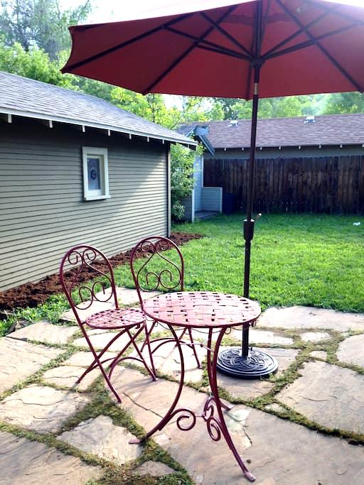 Private City Park/Old Town Downstairs Apartment! - Fort Collins - Leilighet