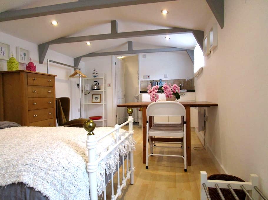 En Suite double room near Cambridge - Comberton - Penzion (B&B)