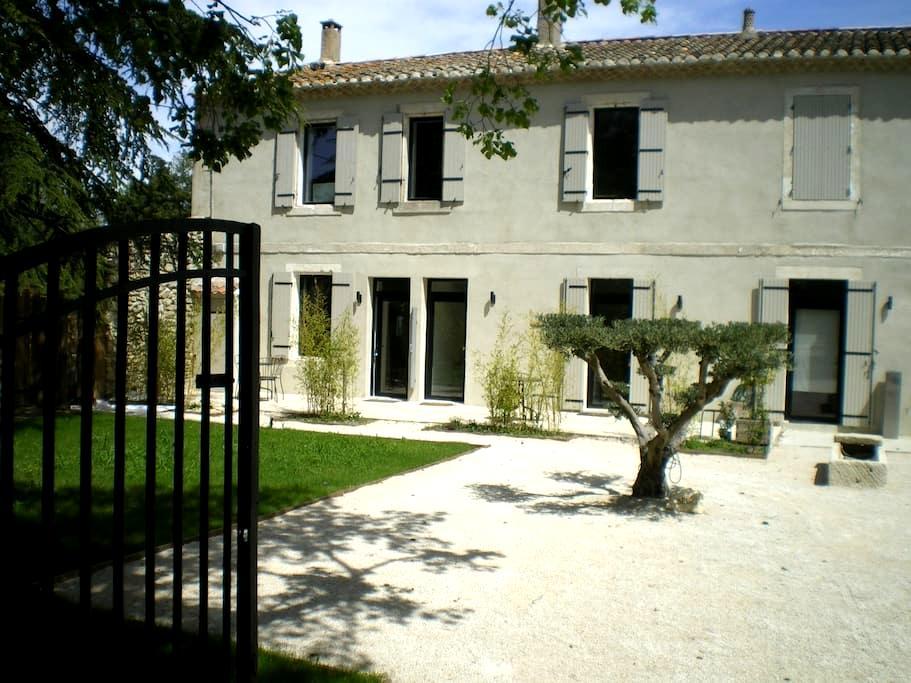 independent apartment in provençal house (2 rooms) - Saint-Rémy-de-Provence
