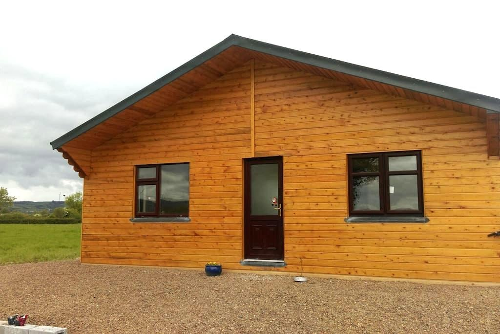 Peaceful setting, A cosy log cabin - Mökki