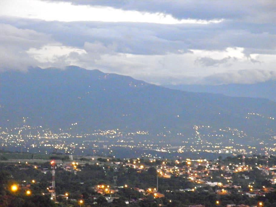 COSTA RICA--SARCHI, BEAUTIFUL VIEWS - San Pedro-Sarchi - Apartment