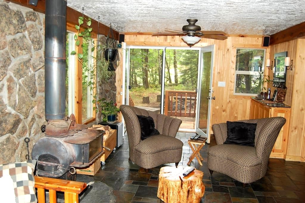 Fort Littlejohn - April Special $100 per night - Rhododendron - House