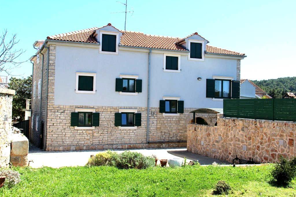 Adria Green - Vrboska - Appartement