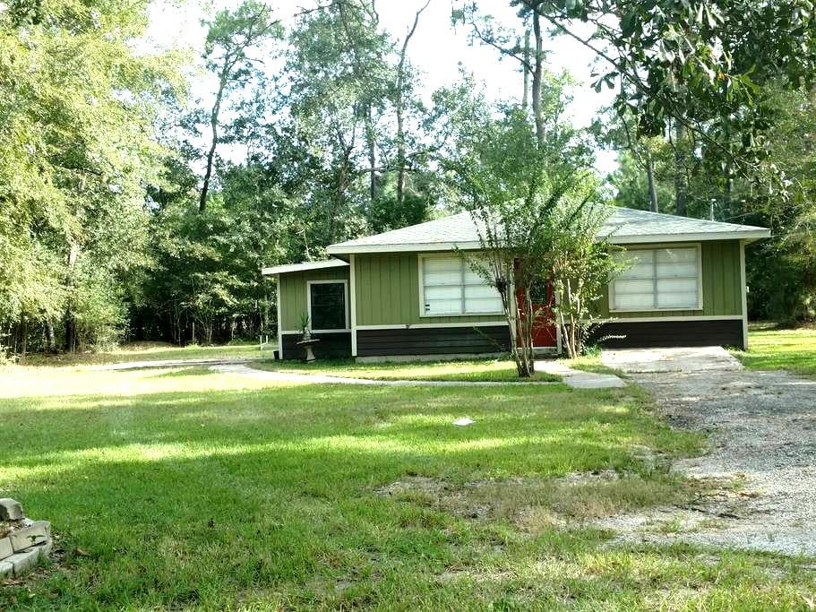 Rustic Conroe-Home away from Home - Conroe - Haus