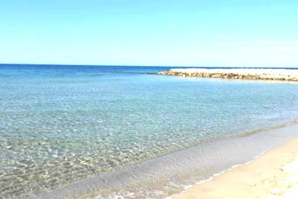 Villetta a pochi metri dal mare - San Cataldo