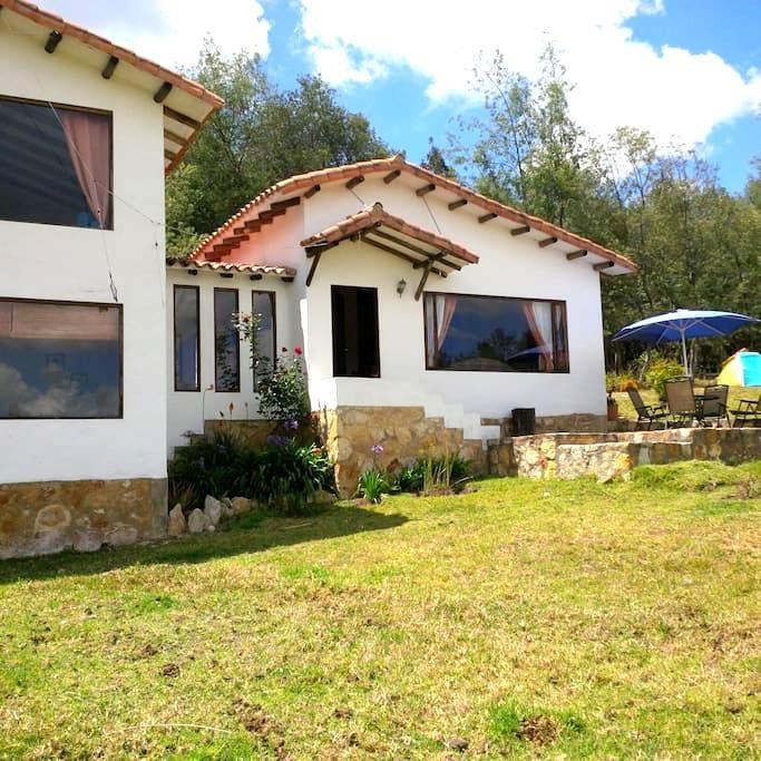 Casa-Finca en Guatavita (Vereda Tominé de Indios) - Guatavita - บ้าน