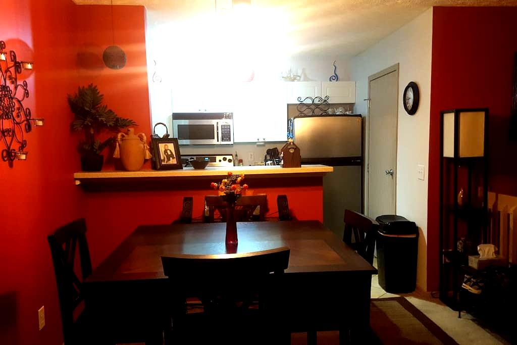 Cozy Condo by Polaris Mall and Chase Building - Lewis Center - Pis