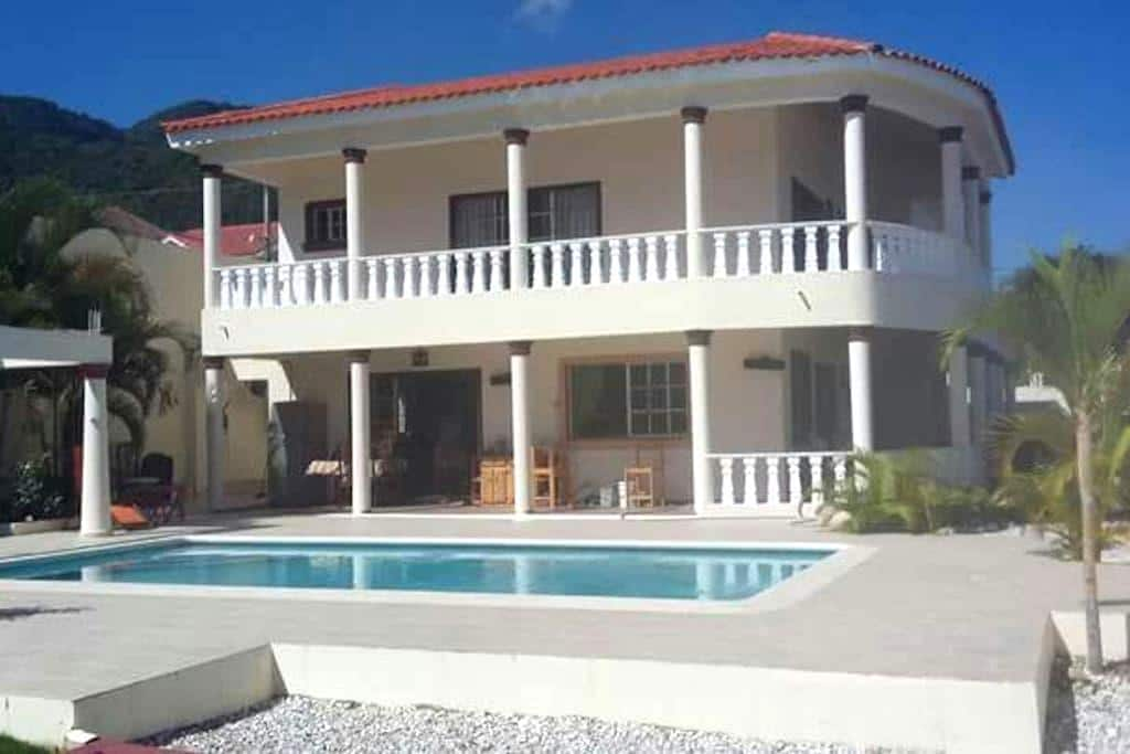 King size bed in amazing home. - Puerto Plata - Ev